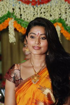 Sneha-latest-stills-in-saree-pics.jpg 685×1,024 pixels