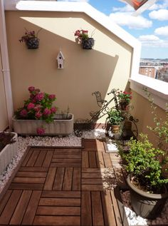 Small space landscaping idea.