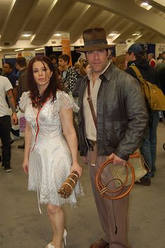 Hallowen Costume Couples Wonder Con Marion Ravenwood and Indiana Jones Indiana Jones Kostüm, Indiana Jones Halloween Costume, Tv Show Halloween Costumes, Funny Couple Costumes, Indiana Evans, Best Couples Costumes, Hallowen Costume, Creative Halloween Costumes, Girl Costumes