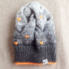 WEBSTA @ labrezzastudioknitting - #hat#cap#sweater #cool#fashion#шапка#шапочка#хлопок#купитьшапку#магазинодежды#knitwear #шапкаспомпоном#knit#beanies #снуд#вязаниеназаказ#вязание#knitting#свитер #handmade#подарок#повязкавязаная#вещилабрезза#мода#вязанаяшапка#помпон#вяжутнетолькобабушки #вязаныйсвитер#варежки#beanie