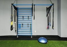 Wish to workout in your own home? Take a look at your personal basement to achieve your individual workout goals! Home Gym Garage, Gym Room At Home, Basement Gym, Basement Ideas, Gym Setup, Fitness Models, Fitness Motivation, Indoor Gym, Home Gym Design