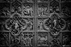 insane details at the huge door of the cathedral of Milan, Italy   #visualresistance #photo #photos #pic #pics #picture #pictures #art #beautiful #italy #milan #piazzadelduomo #travel #travelphotography #canon #door #details #blackandwhite #cathedral