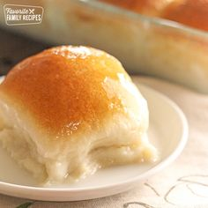 Use safe rolls for A & K. Pani popo is one of my favorite Pacific-Island dishes from my bakery days in Hawaii. A Samoan sweet roll baked in a creamy coconut sauce-- so simple yet so delicious! Samoan Food, Hawaiian Desserts, Coconut Sauce, Coconut Milk, Island Food, Yummy Food, Good Food, Baking Recipes, The Best