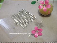 Spring wire necklace with nail polish            Materials:       nail polish   wire ( 0,4 mm)   pilers   pen ( for making the circul...