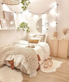 Cute Bedroom Decor, Bedroom Decor For Teen Girls, Apartment Bedroom Decor, Room Design Bedroom, Stylish Bedroom, Small Room Bedroom, Room Ideas Bedroom, Bedroom Inspo, Cozy Teen Bedroom