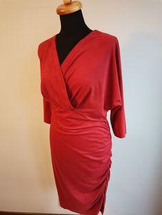 sukienka dla Pań z duzym biustem Wrap Dress, Dresses, Fashion, Vestidos, Moda, Fashion Styles, Dress, Fashion Illustrations, Gown