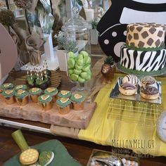 Στολισμός Βάπτισης-Candybar Panda Panda, Table Decorations, Food, Home Decor, Decoration Home, Room Decor, Essen, Meals, Home Interior Design