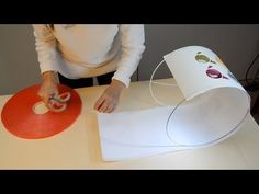 Cómo forrar una pantalla de lámpara con tela - YouTube