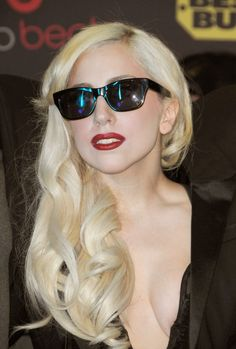 Lady Gagas long sexy side swept hairstyle