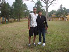 El 14 de abril de 2010, hizo su debut oficial en la Selección de fútbol de Honduras, en un amistoso contra la Selección de fútbol de Venezuela.