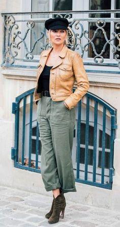 Kate Moss - Paris Fashion Week Street Style 2017 | British Vogue