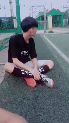 Cute Teenage Boys, Teen Boys, Girls, Cool Boy Image, Korean Men Hairstyle, Cute Boys Images, Cute Korean Boys, Hidden Face, Tumblr Boys