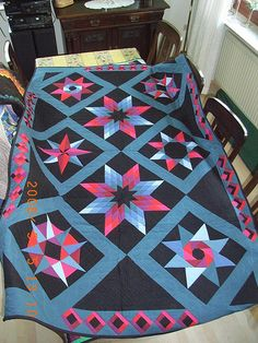 Amish Stars - I love this one. Amische Quilts, Star Quilts, Quilt Blocks, Quilting Projects, Quilting Designs, Quilting Ideas, Amish Culture, Amish Community, Amish Country