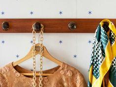 De-Chaos Your Closet #homehacks #organizationtips