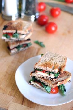 27. Tomato, Basil, Mozz Sandwiches #healthy #recipes http://greatist.com/health/healthy-single-serving-meals