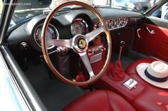 1961 FERRARI 250 GT SWB CALIFORNIA SPYDER - Cockpit .. Nardi Steering Wheel
