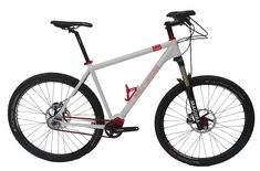 De eerste fiets met red-belt van Gates gebouwd bij Belt-Bikes Apeldoorn