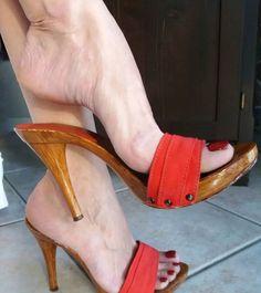 Sexy Legs And Heels, Hot High Heels, Sexy Sandals, Bare Foot Sandals, Wooden Sandals, Beautiful High Heels, Stiletto Shoes, Female Feet, Women's Feet