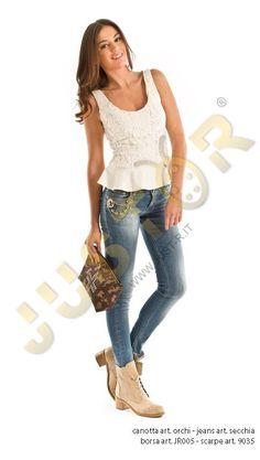 Top Art. TORCHIO - http://www.just-r.it/shop/it/maglieria/569-top-art-torchio.html  JEANS ART. SECCHIA - http://www.just-r.it/shop/it/jeans/426-jeans-art-secchia.html  BORSA ART. JR005 - http://www.just-r.it/shop/it/borse/527-borsa-art-jr005.html  SCARPA ART. 9035 - http://www.just-r.it/shop/it/scarpe/321-scarpa-art-9035.html