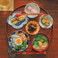 Asian Recipes, Ethnic Recipes, Food Articles, Japanese Food, Bento, Lunch, Plates, Foods, Drinks