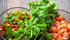 Lomi Lomi Salmon preparation |