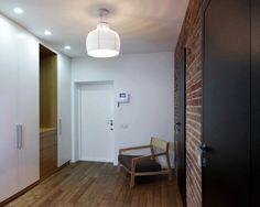 56m2-es lakás átalakítása nyitott elrendezéssel, modern, szimpla, elegáns és férfias dekorációval