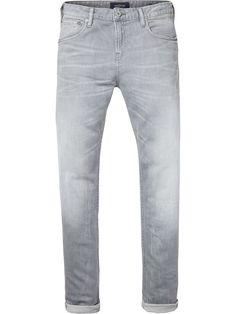 The Skim is Scotch & Soda's skinny fit denims. Designed in comfort stretch denim, these jeans are heavily washed and bleached to for a light grey look. Skinny fit. Zip fly. 5-pocket styling. Comfort stretch denim. Heavy stone wash. Heavy bleaching 10,5 oz cotton.