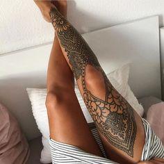Choosing a thigh tattoo or even a leg tattoo in general can be a pain. There are countless designs and … leg 39 Inspiring Leg Tattoo Designs Ideas For Women Tattoo Bein Frau, Maori Tattoo Frau, Maori Tattoos, Full Leg Tattoos, Leg Tattoos Women, Leg Sleeve Tattoos, Tattoo On Leg, Back Thigh Tattoo, Shin Tattoo