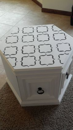 Easy and cheap way to add unique touch to exsisting furniture! I would not use this pattern, but a nice start. Refurbished End Tables, Redo End Tables, End Tables With Storage, Refurbished Furniture, Repurposed Furniture, Side Tables, Furniture Making, Furniture Makeover, Painted Furniture