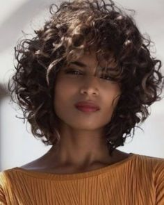 Curly hairstyles for women in 2020-2021 #hairideas #hairstyles Curly Hair With Bangs, Curly Hair Cuts, Wavy Hair, Curly Hair Styles, Curly Pixie, Curly Short Hair Cuts For Women, 50 Hair, Short Curly Bob, Thin Hair