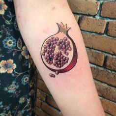 american traditional tattoo pomegranate google search tattoo ideas pinterest. Black Bedroom Furniture Sets. Home Design Ideas
