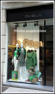 Fashion Shop Interior, Clothing Boutique Interior, Boutique Decor, Boutique Design, Fashion Window Display, Window Display Retail, Sewing Room Design, Shop Facade, Visual Merchandising Displays