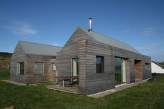 SILA A/B® cladding - private house at Waternish, Skye Timber Cladding, Exterior Cladding, Cladding Ideas, Timber Architecture, Architecture Details, Cottage Design, House Design, Retreat House, Rural House