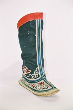 Mongolia / Ulaan Baatar  Men's boot.  All silk upper and embroidery, multi layered cloth platform, double layered leather outsole.  Middle 19th century