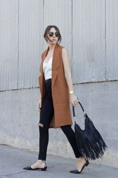 tan vest outfit- How to wear long vests http://www.justtrendygirls.com/how-to-wear-long-vests/