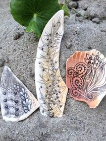 No tile? No problem. Use your micron to decorate shell fragments. As if we needed another reason to go to the beach. By Cris Letourneau, CZT (Certified Zentangle Teacher.)