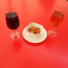 Probando los vinitos de Málaga