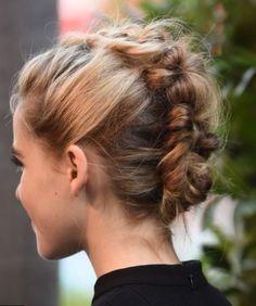 Modele coiffure chignon banane. #coiffure2017 #Modele2017