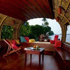 Luxury Houseboat !