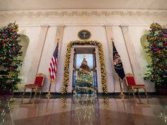WHITE HOUSE CHRISTMAS 2015 The holiday volunteer for the Grand Foyer space was Candace Barrett Birk of St. Paul, MN. Photo: Ken Cedeno/Getty Images (Ken photographed all the WH Christmas decorations and trees I pinned to my boards this year.)