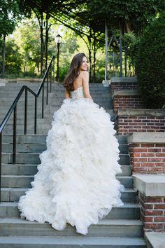 Stunning ruffled wedding gown | Bridal editorial photo shoot | Wedding dress: Enaura Bridal | Photography: Natalie Franke Photography | See the full wedding editorial: http://www.xaazablog.com/stunning-bridal-editorial-natalie-franke-photography/ #weddingfashion #bridalcouture #bridalgown