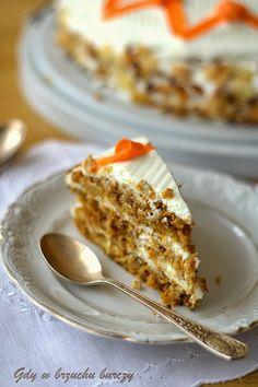 Gdy w brzuchu burczy... : Tort marchewkowy