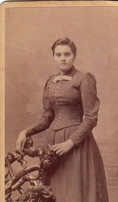 back of the photo said A. Victorian Photography, Vintage Photography, Portrait Photography, Victorian Hairstyles, Vintage Hairstyles, Vintage Shorts, Vintage Outfits, Historical Hairstyles, Lynchburg Virginia
