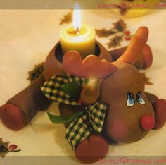 christmas Reindeer tutorial by lovely tutorials Sculpey Clay, Polymer Clay Projects, Polymer Clay Creations, Polymer Clay Art, Christmas Projects, Holiday Crafts, Diy Fimo, Polymer Clay Christmas, Cute Clay