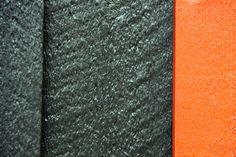Mørk brune vegger og vinduskarmer i rødt. Hyttefarger. Home Decor, Brown, Decoration Home, Room Decor, Home Interior Design, Home Decoration, Interior Design