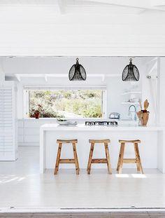 modern beach house. / sfgirlbybay (originally published in Inside Out magazinez)