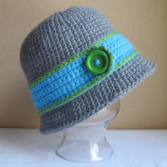 PATTERN - Uptown Girl - a cloche hat with button in 8 sizes (Infant - Adult L). $5.50, via Etsy.