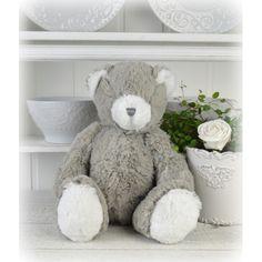 Den mest underbara nalle Du kan tänka Dig så mjuk och len att inte ens vuxna kan låta bli att kram den. Teddy Bear, Toys, Animals, Decorations, Activity Toys, Animales, Animaux, Teddybear, Animal