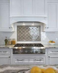 New kitchen tile wall backsplash ideas inspiration ideas Behind Stove Backsplash, Diy Tile Backsplash, Kitchen Wall Tiles, Kitchen Counters, Backsplash Wallpaper, Ikea, Refacing Kitchen Cabinets, White Cabinets, Wood Cabinets
