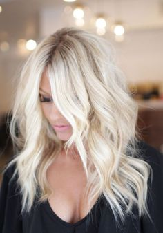 Golden Blonde Balayage for Straight Hair - Honey Blonde Hair Inspiration - The Trending Hairstyle Cool Blonde Hair, Platinum Blonde Hair, Ash Blonde, Bleach Blonde Hair, Blonde Wig, Platinum Blonde With Highlights, Blonde Hair For Summer, Beach Blonde Highlights, Blonde Hair With Roots